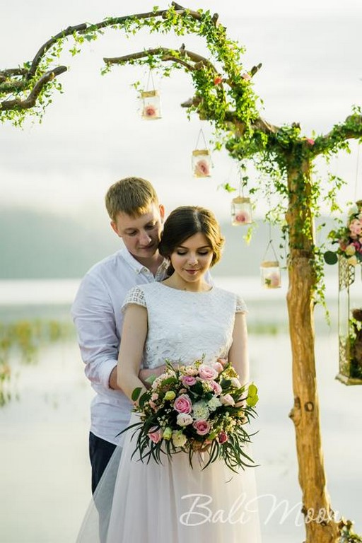 свадьба на озерах острова Бали