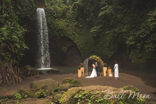 свадьба на Бали водопад 2017 год